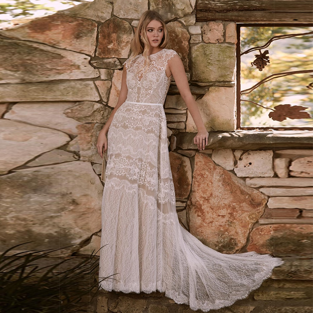 Review Lace Bohemian Wedding Dresses Sexy Sheer O neck Open Back A Line Sweep Train Bridal Wedding Gowns with Tiered Skirt 2021