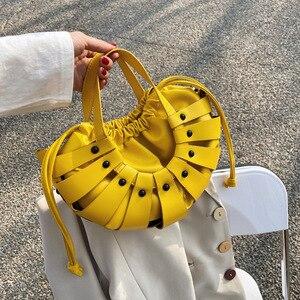 New Half Moon Hollow Out Handbags Women Shoulder Crossbody Bags 2021 Fashion Female Handbags Ladies Messenger Purses Quality