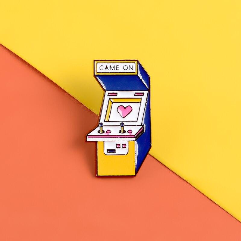 Juego máquina juego en lindos pines esmaltados broches Gamer solapa Pin insignias creativo Metal Pin mochila regalos para niñas joyería