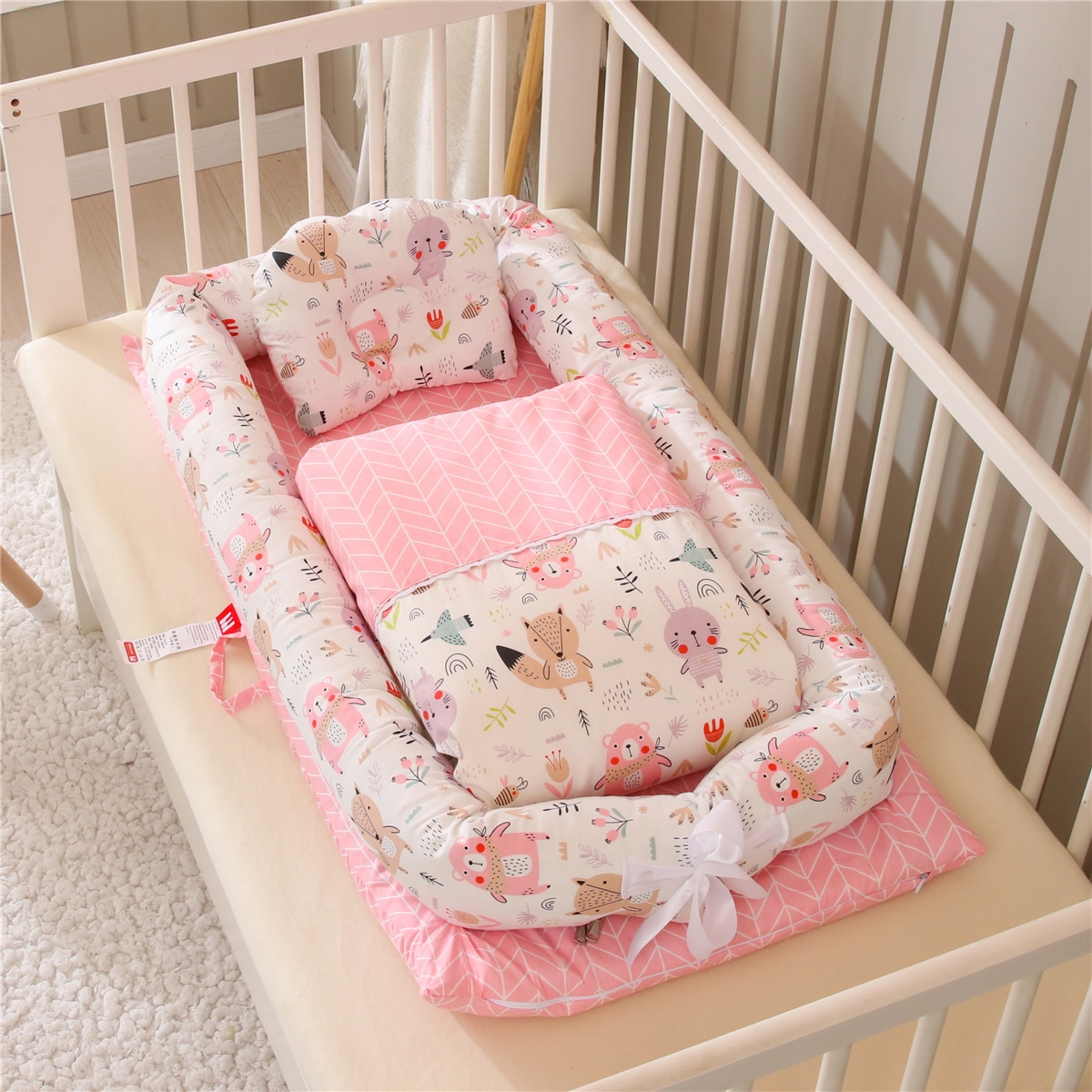 Portable Baby Nest Bed with Quilt Travel Bed Infant Toddler Cotton Crib for Newborn Babynest Bed