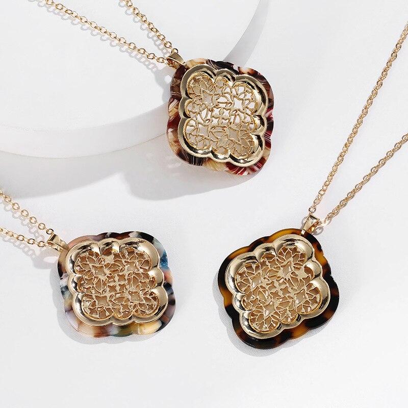 2020 nova chegada leopardo losango pingente colares geométrico moda feminina cor de ouro corrente de metal oco padrão camisola corrente
