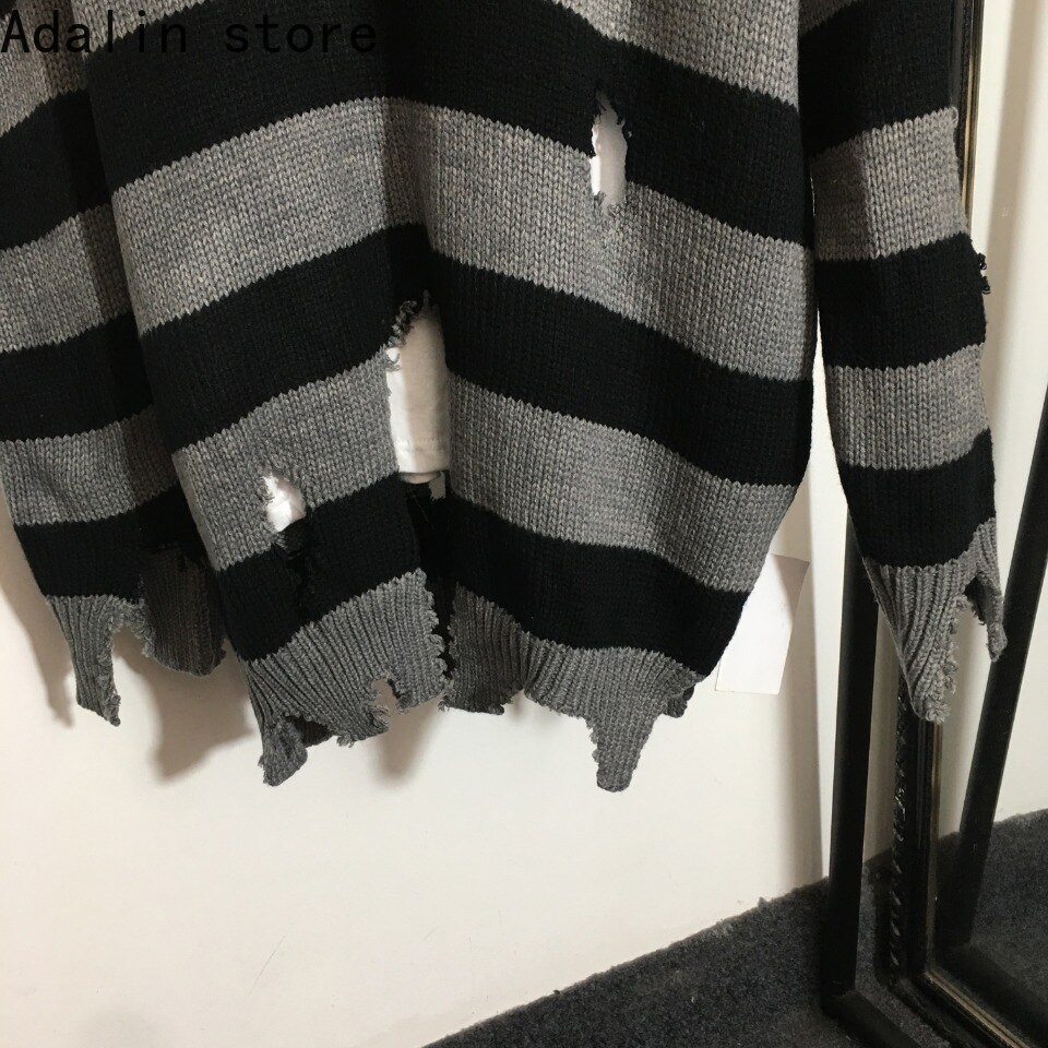 2021 high quality autumn and winter new fashion women's Embroidery irregular hole fake two-piece round neck long sleeve sweater enlarge