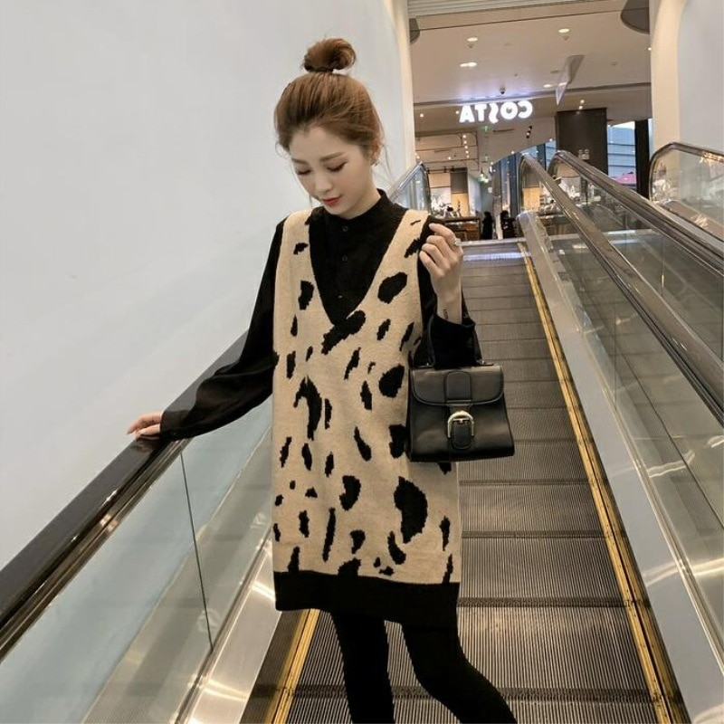 A New Two-Piece Early Autumn Autumn Clothing Online Celebrity Casual qiu ji kuan Pregnant Women Fashion Freaky Paragraph enlarge