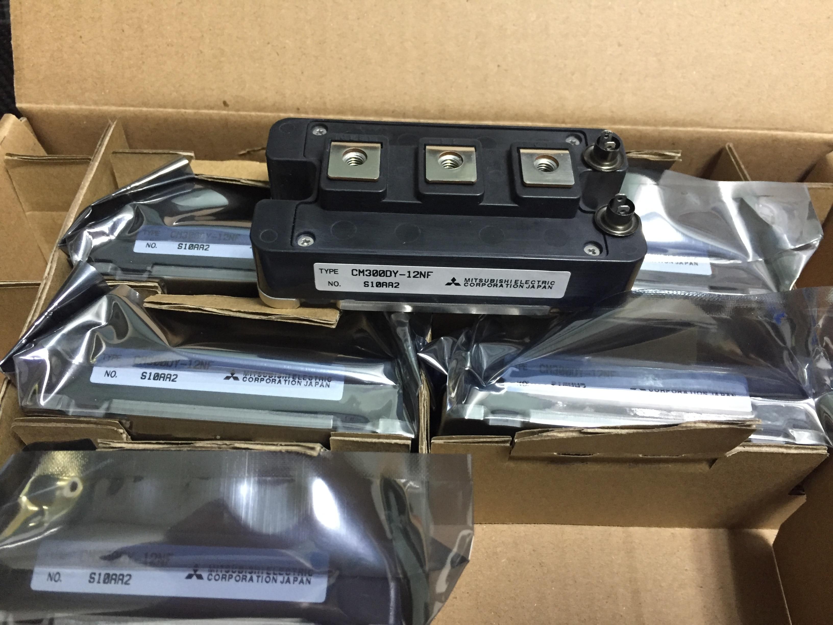 شحن مجاني 100% جديد و الأصلي CM300DY-12NF 300A 600V IGBT وحدة