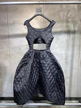 فستان نسائي مجوف محشو بالقطن منقوش موضة عام 2019 فستان نسائي غير رسمي بدون أكمام ddxgz2