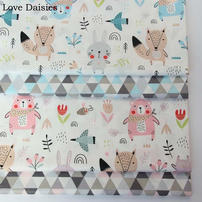 Tela de sarga de algodón 100% de dibujos animados de animales blancos, rosas, azules, oso, zorro, flores, tela triangular para ropa de cama DIY, acolchado, vestido de retazos