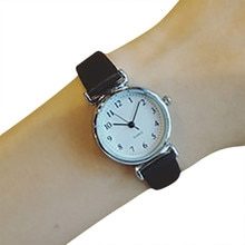 Watches Women Fashion Watch 2021 Women Quartz Analog Wrist Small Dial Delicate Watch Luxury Business