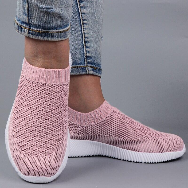 Tênis de Corrida Mulher Tênis Primavera Senhoras Sapatos Planos Casuais Vulcanizado 2021 Verão Luz Malha Respirável Feminino