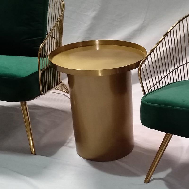 بسيطة الحديثة الفاخرة الفولاذ المقاوم للصدأ المعادن طاولة صغيرة غرفة المعيشة المنقولة أريكة طاولة شاي صغيرة السرير طاولة ركن مستديرة