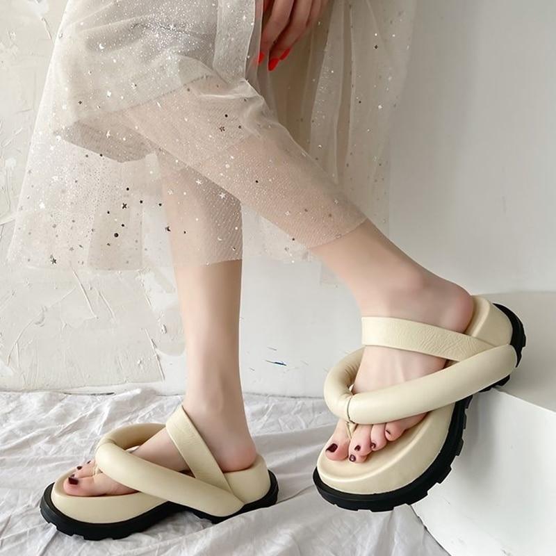 Black Exaggerated Design Sense Roman Sandals Women Thick-Soled Rubber Outdoor Casual Flip Flops Korean Fashion Sandals Women