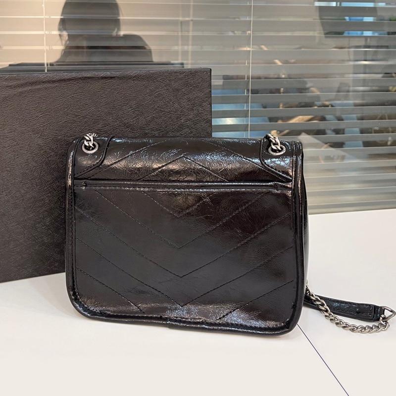 المرأة الفاخرة حقيبة ساعي سعة كبيرة الترفيه حقيبة عالية الجودة حقيبة الإناث زيت شمعي حقائب كتف جلدية لينة