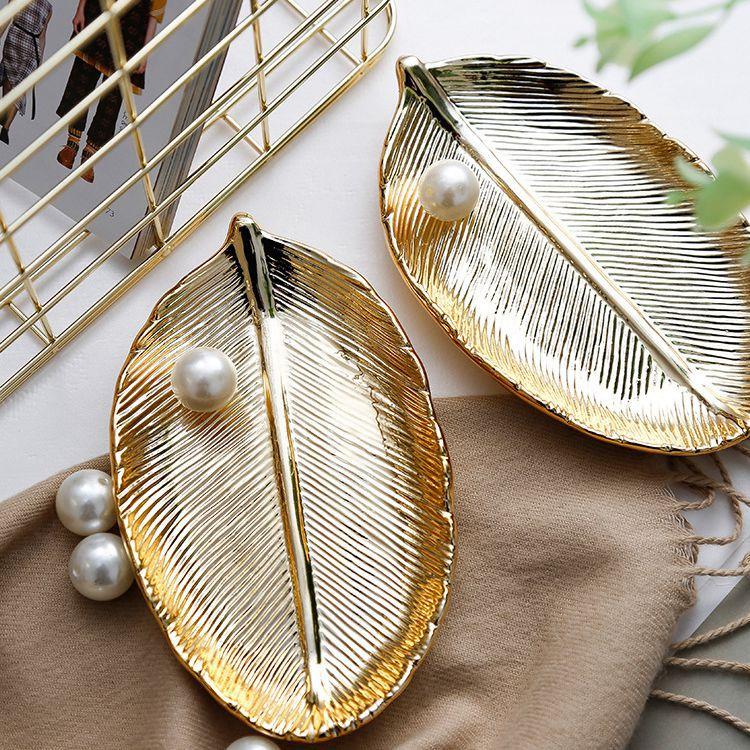 Placa de cerámica hecha a mano de hoja de oro de lujo ligera bandeja de almacenamiento de platos de joyería decoración de escritorio del hogar