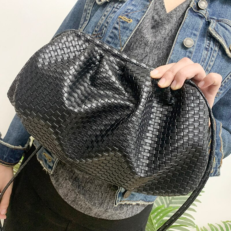 2020 women bag woven bag Cloud bag Soft Leather Madame Bag Single Shoulder Slant Dumpling Bag Handbag Day Clutches bags