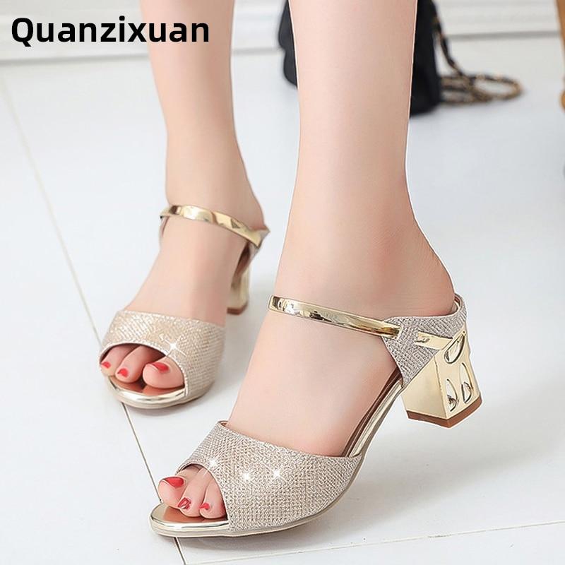 2019 nuevos zapatos de mujer Sandalias de tacón cuadrado de Metal Sandalias de Mujer Zapatos de tacón alto de plata de oro Peep Toe Sandalias para mujer