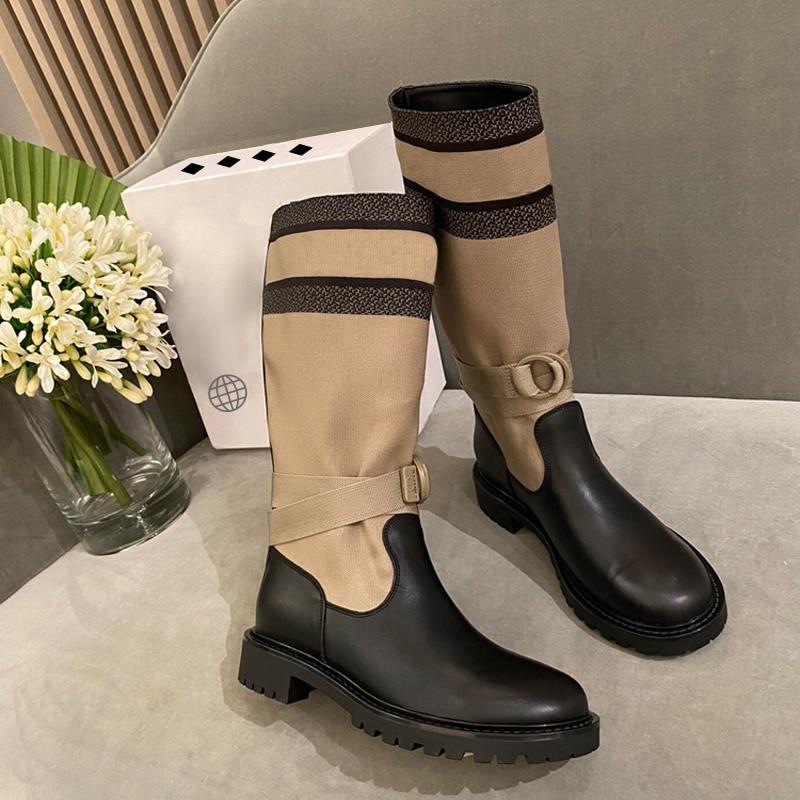 جديد الركبة عالية جولة تو حذاء مسطح المرأة موضة عادية كول جلدية Knitt خليط التمهيد دراجة نارية الشتاء الصيف السيدات الأحذية