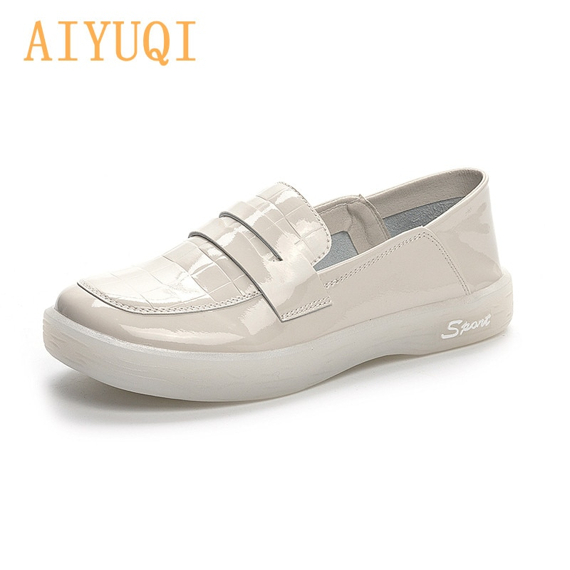 AIYUQI Women's Sneakers Large Size 2021 Amoi British Style Patent Leather Girl Vulcanized Shoes Flat Loafers Nurse Shoes Women