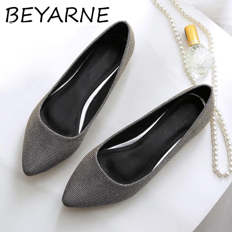BEYARNE 2020 zapatos planos cuero suave del brillo de las mujeres puntiagudos barcos zapatos mujer Bling boda zapatos cómodos señoras Slip-on Balle