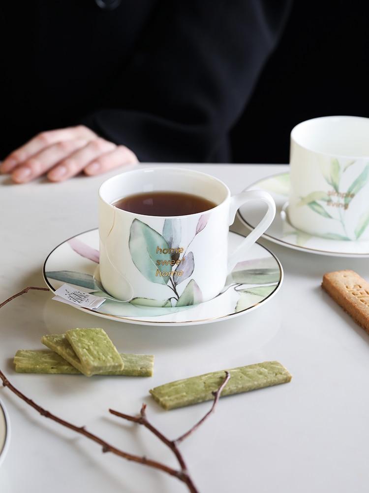 Tazas de té de cerámica de estilo nórdico, platillos de té de la tarde, taza de café con bandeja de cerámica clásica real de China, Juego de vasos de porcelana EE50BD