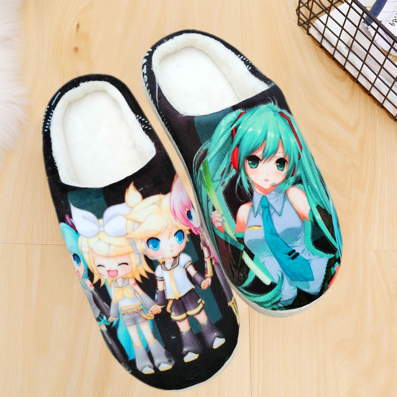 Venta al por mayor Hatsune Miku Cosplay zapatos de una pieza Dragon Ball Naruto Zapatillas de casa invierno hombres mujeres parejas zapatillas de felpa