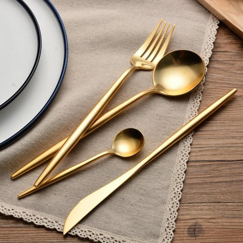Conjunto de talheres de ouro kubac