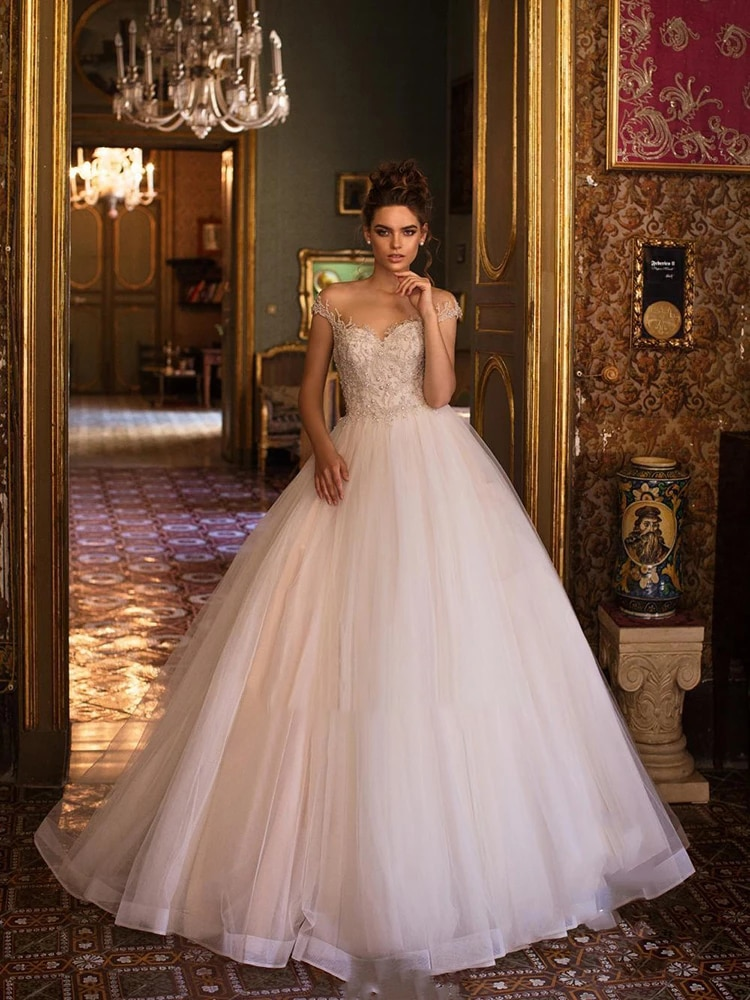 Promo Wedding dress Lace wedding dress atmosphere luxury v-neck bridal dresses hand drill backless buttons big skirt plus size