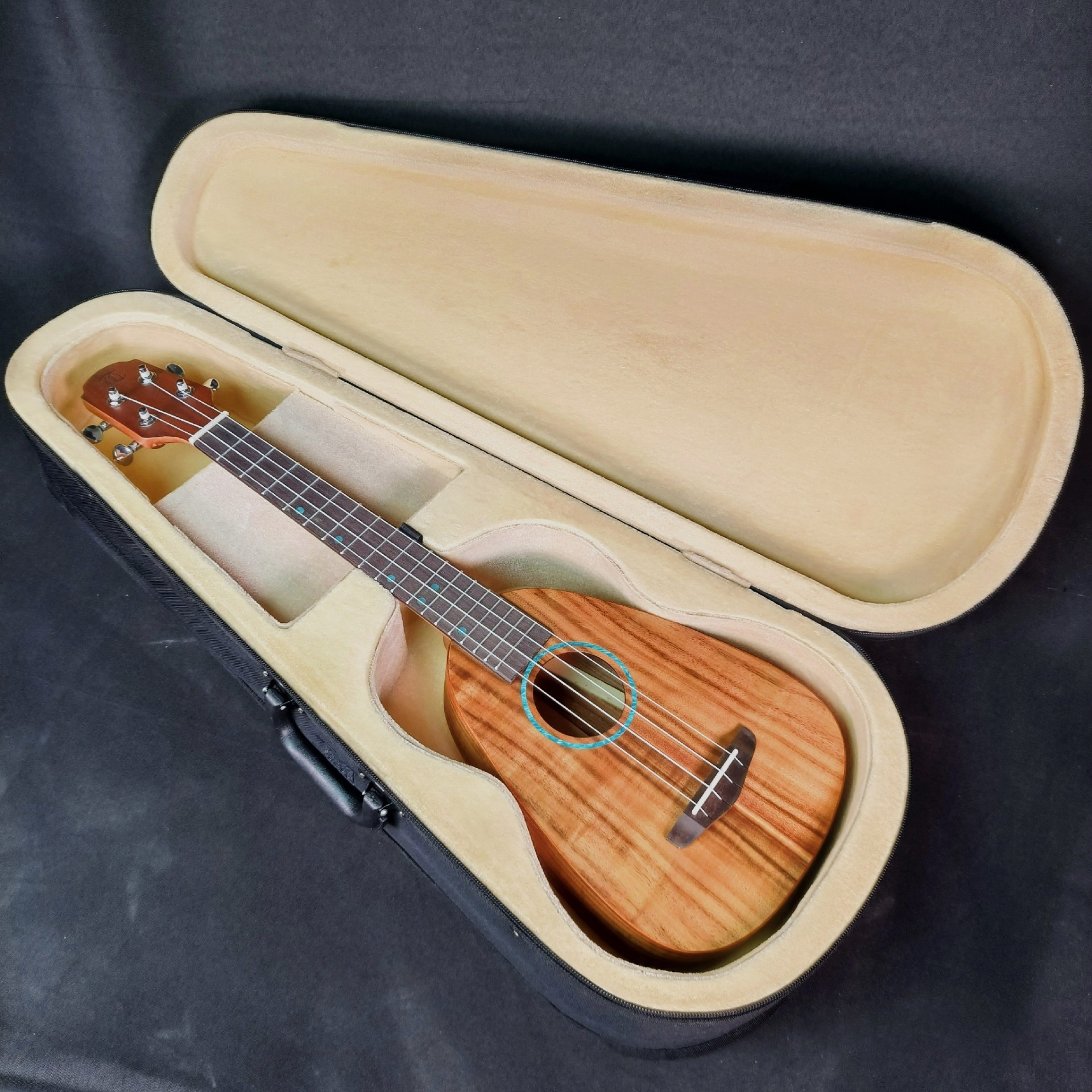 Tenor Ukulele with Hard Case Body Jazz Classical Sports Small Guitar Olid Wood 26 Inch Pineapple Guitarra Entertainment ZZ50YL enlarge