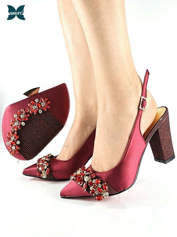 مجموعة أحذية وحقائب نسائية أنيقة مزينة بأحجار الراين ، مجموعة جديدة من الأحذية والحقائب ذات التصميم الإيطالي لحفلات الزفاف ، 2021