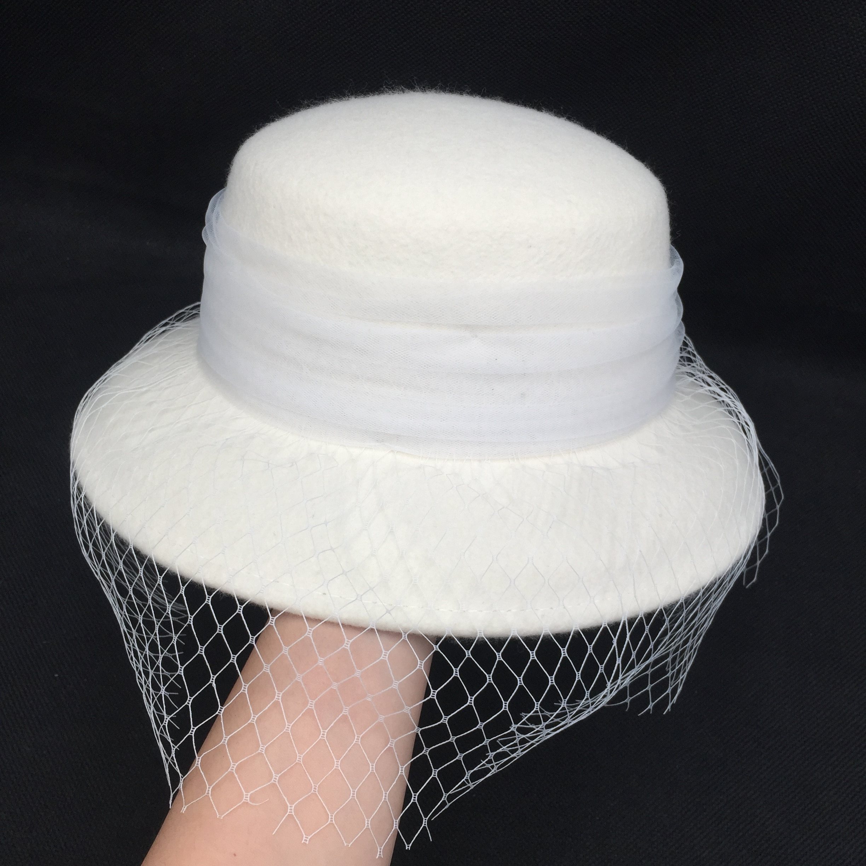 جديد الشتاء الفرنسية باكات قبعة بيضاء قبة واسعة حافة الشاش الأبيض مغطاة الوجه حوض قبعة البريطانية الإناث هيبورن