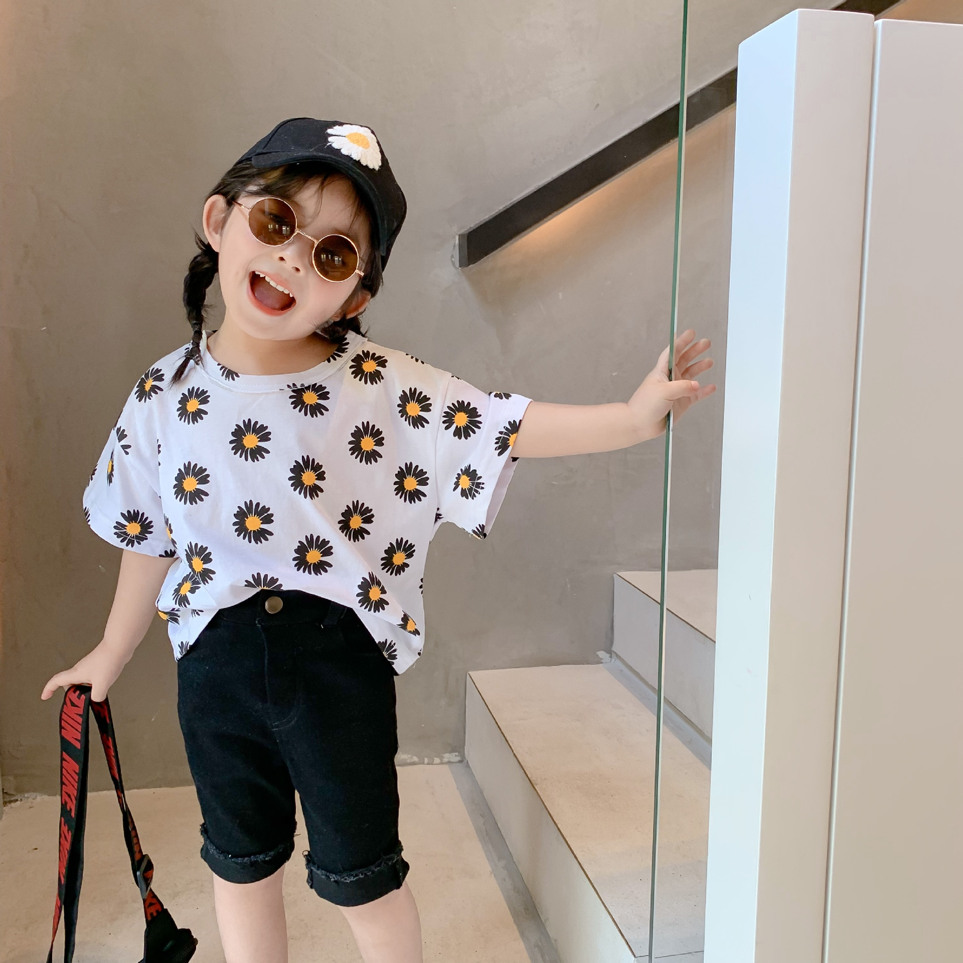 NOVEDAD DE VERANO llegada estilo coreano de algodón-Encuentro de flores impreso manga corta Camiseta suelta moda lindo bebé niñas