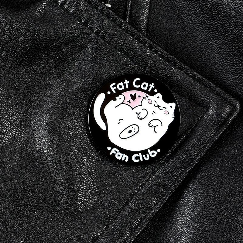 Gato gordo fã clube esmalte pino dos desenhos animados animais broches para as mulheres kitty redondo lapela pinos roupas saco emblemas jóias presentes
