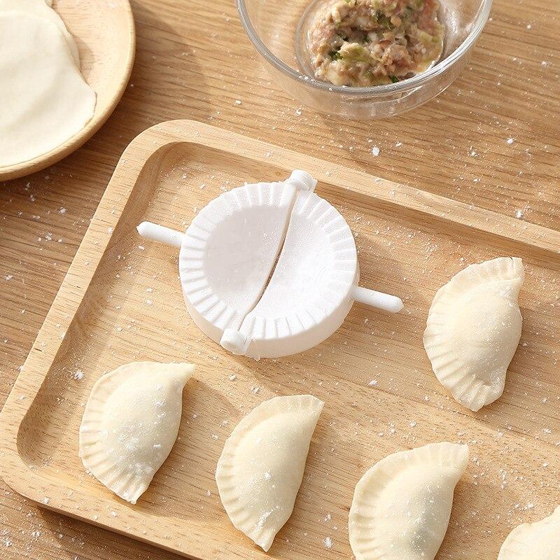 3pcs Set Plastic Dumplings Maker Manual Dumpling Mold DIY Ravioli Pie Dough Mould Chinese Food Kitchen Accessories Cooking Tools