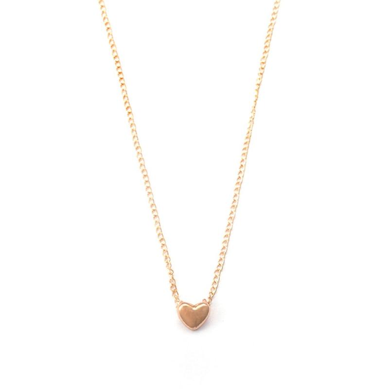 Moda elegante dulce corto oro amor collar damas colgante accesorios joyería collares en forma de corazón clavícula cadena