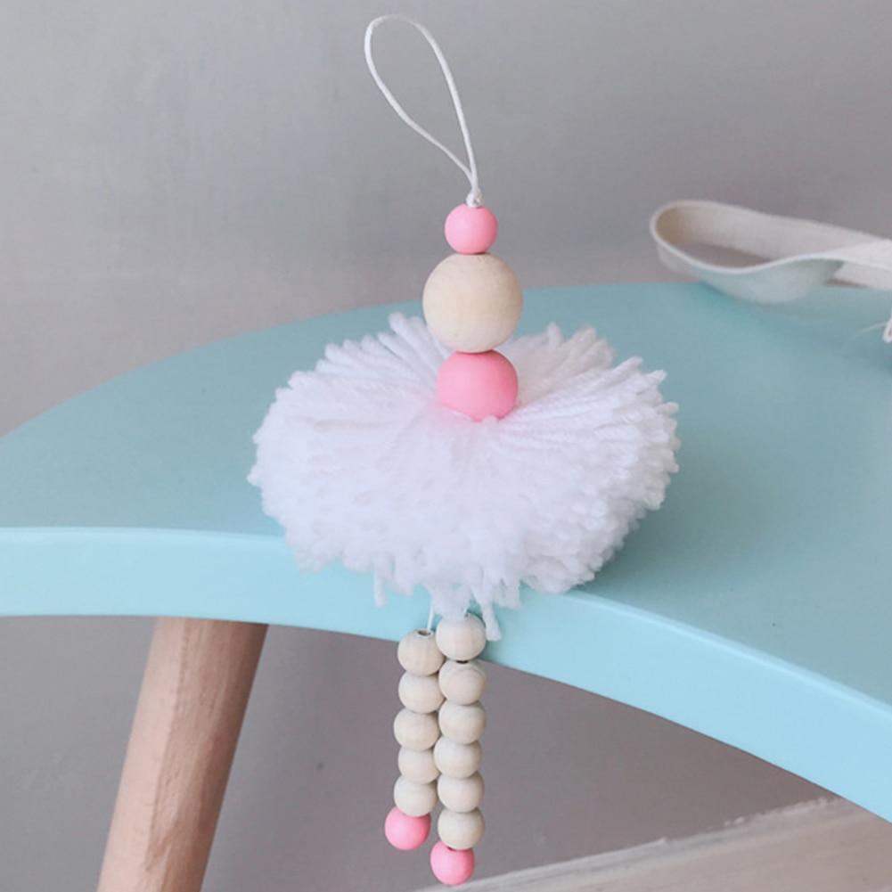 Adornos decorativos de moda para colgar dormitorio bola esponjosa Estilo nórdico bonito atractivo bailarín de Ballet niños carpa cuentas de madera