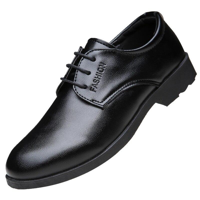 Sapatos de Couro do Plutônio da Forma do Dedo do pé Sapatos de Casamento do Homem Sapatos de Oxford para Homens pé do pé do Negócio Sapatos Casuais Masculinos Vestido Apartamentos Mocassins do pé