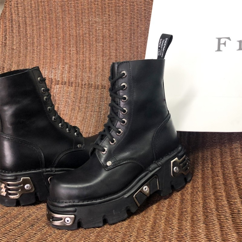 Gothic Women Autumn Metal Winter Thick Platform Shoes Boyfriend Style Ankle Lace Up Leather Motorcycle Boots Fleece Lining