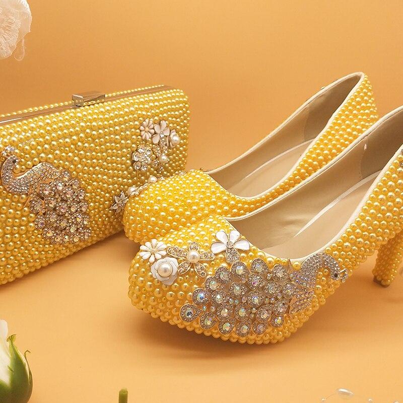 LoveinCrystal الطاووس الأصفر اللؤلؤ العروس أحذية الزفاف المرأة عالية الكعب جولة تو كعب رقيقة فستان الحفلات حذاء وحقيبة مجموعة