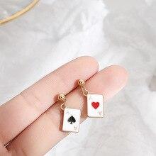 Yaratıcı Poker Ace damla küpe kişiselleştirilmiş kalpler maça kartları asimetri Mini Dangle küpe kadınlar için hediyeler benzersiz tasarım