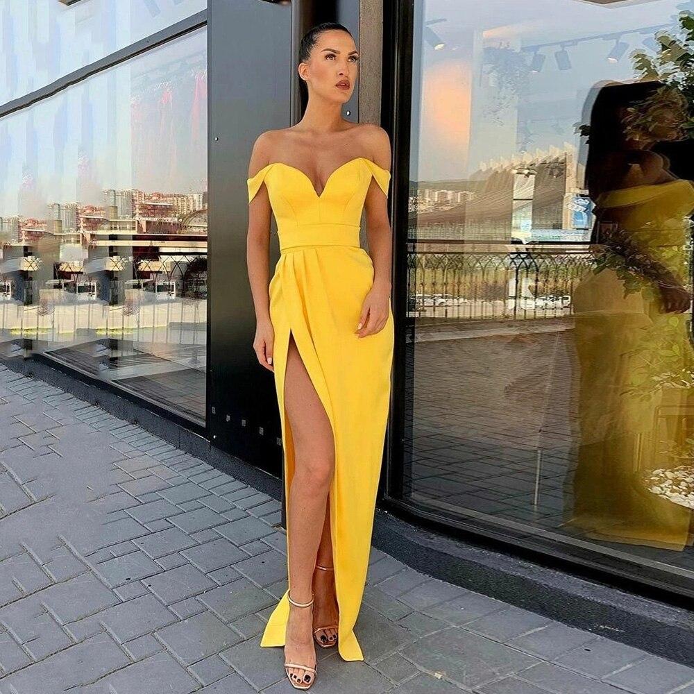 فستان سهرة من الساتان الأصفر مثير فساتين حفلات قبالة الكتف الحبيب بسيط عادي مطوي عالية انقسام رداء حفلات رسمي