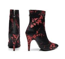 Personnaliser Salsa Jazz salle de bal chaussures de danse latine pour les femmes de danse fleur professionnelle élégant talon haut bottes noires 1018 bottes