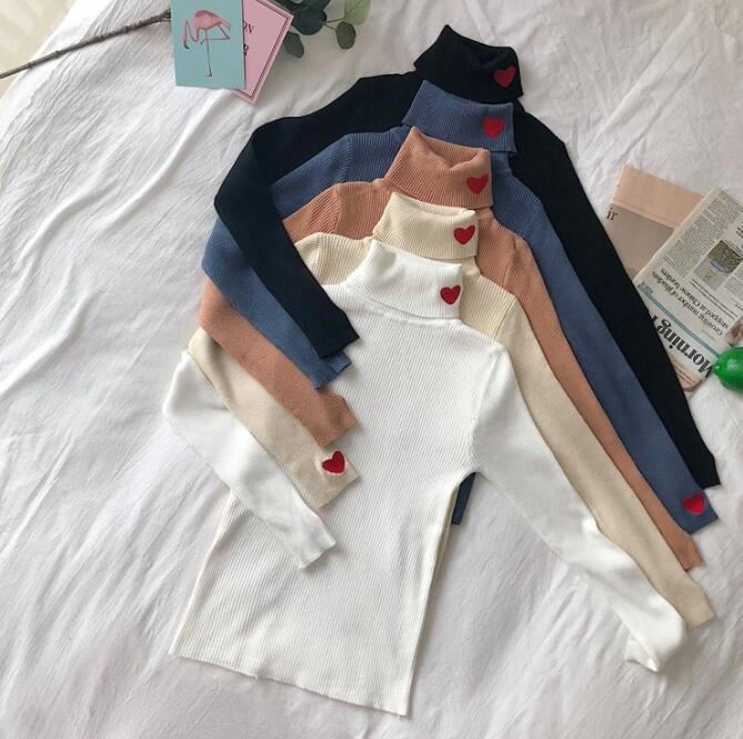 Camiseta de punto nuevo amor bordado cuello alto suéter de manga larga