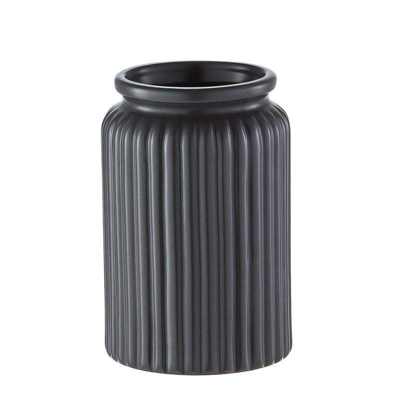 5pcs/Set Black Luxury Ceramic Bathroom Accessory Set Soap Dispenser Pump Bottle Home Couple Mouthwash Cup Soap Dish Washing Tool enlarge