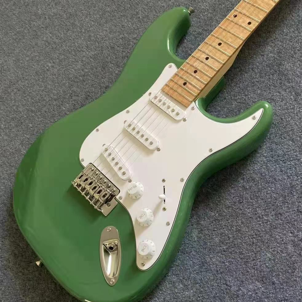 Stract Electric Guitar Green Color silver Hardware Maple Fingerboard Basswood Body High Quality Free Shipping enlarge