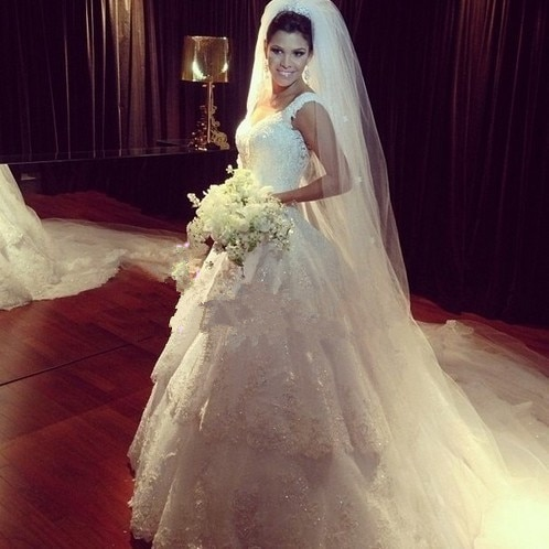 Beliebte Stil Weiß Spitze Hochzeit Kleid Perlen Gericht Zug Sexy Backless Nach Maß Günstige Vintage Brautkleider 2015 Heißer Verkauf