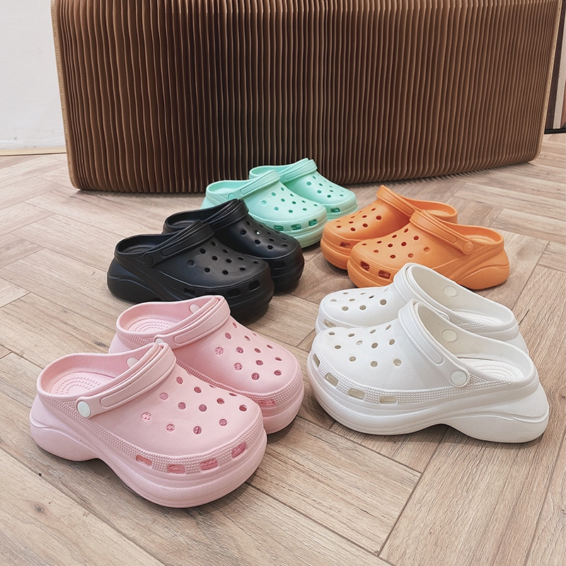Summer Girl Hole Shoes Flat High Heel Solid Color Baotou Non-open Toe Sponge Cake Garden Beach Shoes Fashion Kids Sandals