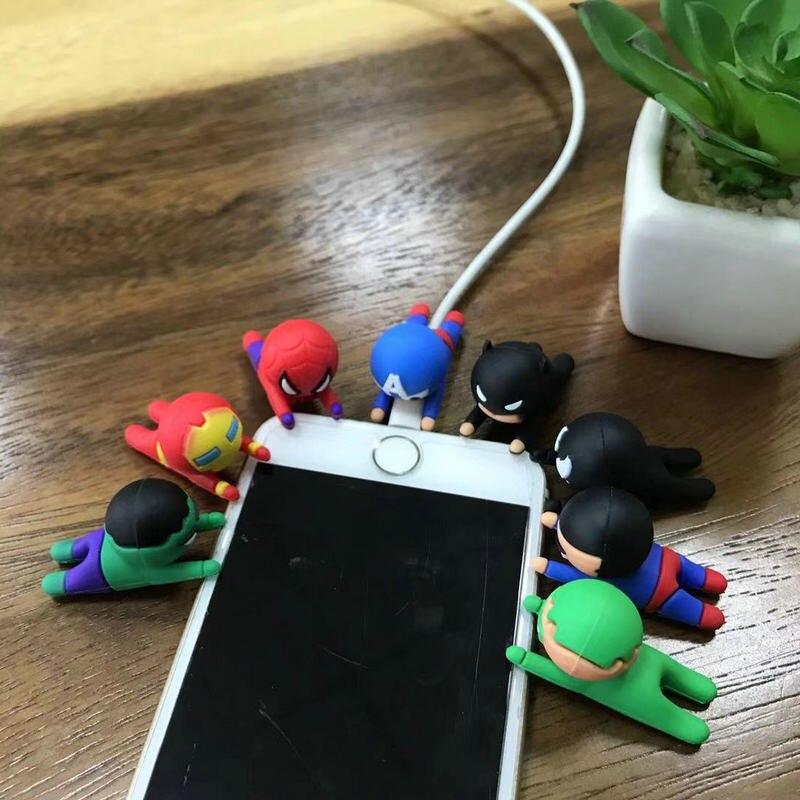Superhéroe serie lindo Cable Protector de mordedura para iPhone USB cargador Cable enrollador Cable organizador dibujos animados picaduras novedad Juguetes