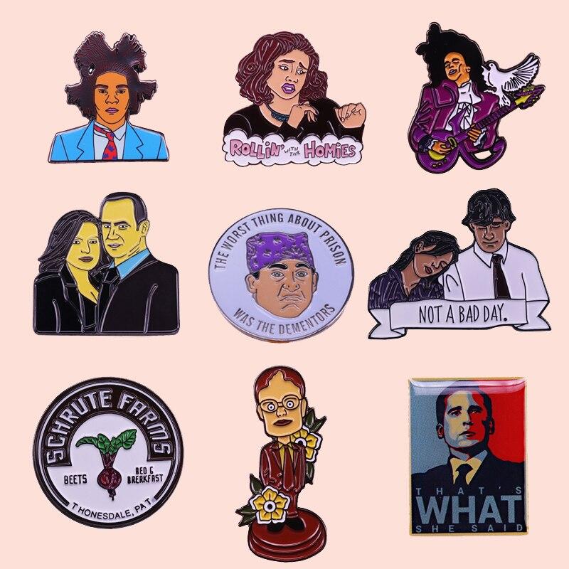 ZF1798 TV, pines y broches metálicos esmaltados para oficina para mujer, broche de solapa para hombres, mochila, bolsos, sombrero, insignia, regalos