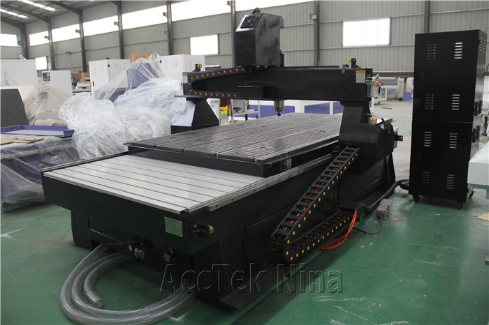 1325 Cnc Router Machine With DSP Richauto Controller Door Cabinet Wood Making Cnc Engraving Machine Price enlarge