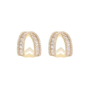 Korean jewelry simple, versatile, compact, super flash, fashionable, high-end earrings, female exquisite full diamond irregular