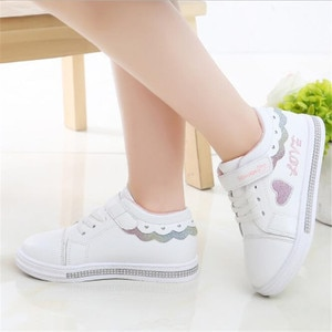 Children's sports shoes girl's shoes 2021 spring and autumn new style is a fashionable flat soled soft soled student board shoes