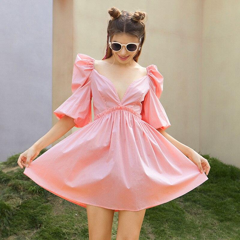 الصيف بسيطة وجديدة المرأة بلون عميق الخامس الرقبة الرسن فانوس نصف كم عالية الخصر طيات كبيرة تنحنح متعدد الألوان فستان